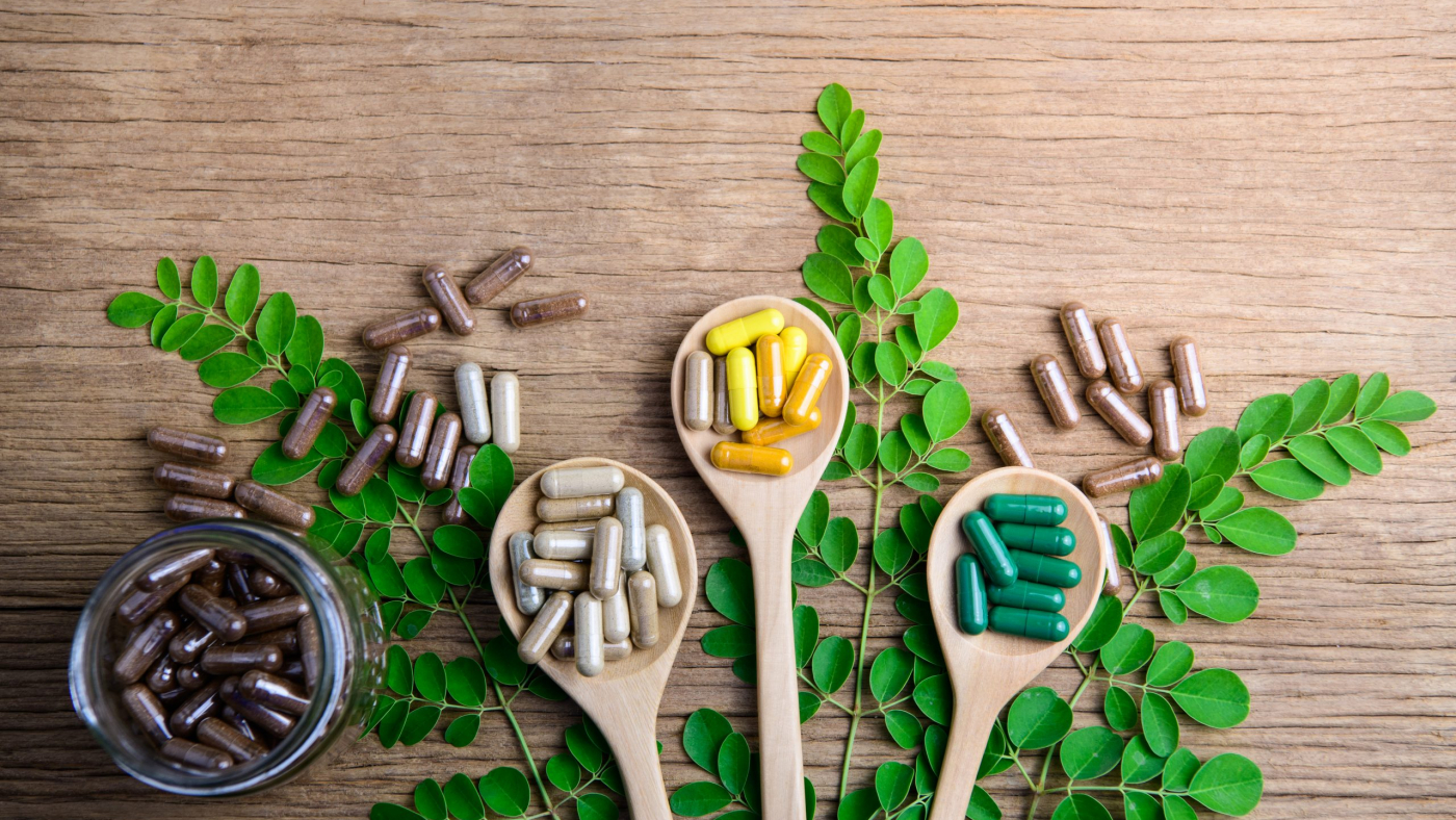 natural-supplements-vitamin-organic-medicine-capsule-pills-herbal-from-herbs